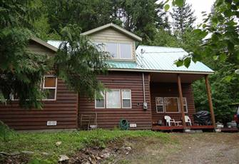 Charming, New Cabin on Beautiful Shuswap Lake!