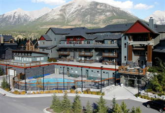 "Luxury 2 Br. Condo ""Private Patio...""Majestic View""Banff Park Pass*Pool*Hot Tubs"