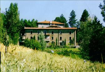Caprignana Accommodation - Restored Villa Perfect for Family and Friends
