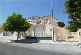 Foz Do Arelho Spacious Modern Villa Private Pool Sleeps 8