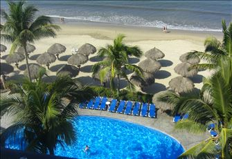 Playa Royale 2 Bedrooms  Directly on the Ocean Sleeps 5-6