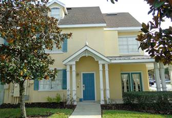Fantastic 2 Bedroom Condo, Full Kitchen, Shuttle, Minutes to Disney, Resort
