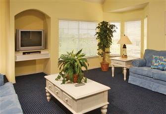 3 Bedroom  2 Bath Fully Furnished Condo, 4 Miles to Disney, Shuttle, Wifi,