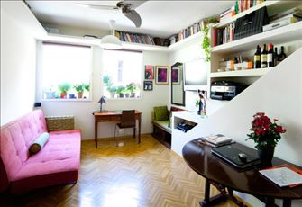 Beautiful Warm and Bright Flat, Quiet and Great Patio. Wifi. Free Calls