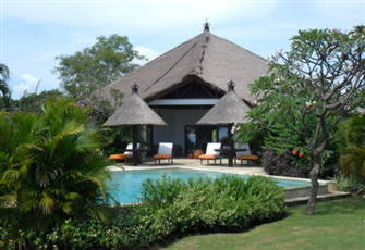 A Lovely Villa with Private Pool in Tropical Garden