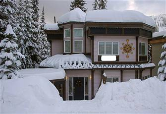 Fabulous Location. 6 Bedrooms, Ski in/out near Village, Tube Town, Skating Rink.