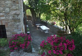Ancient Rock House with Garden, Situated in the Town Centre, with View of Umbria