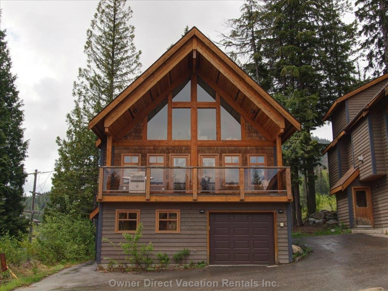 Pet-friendly chalet situated right on Aladar's Alley ski run, ID#208024