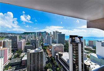 Beautiful Royal Kuhio Condo