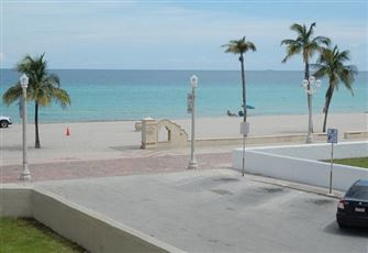 Hollywood Beach Condo all