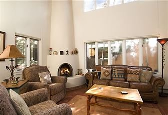 Alameda Loft, 2 Bedroom, Fireplaces, Flat Screen TV, Pet Friendly, Sleeps 4