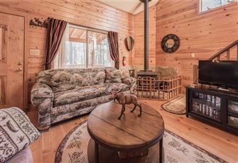 Moose Manor, 3 Bedrooms, Wood Stove, Gas Grill, WiFi, Sleeps 6