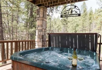 Cedar Creek Retreat, 4 Bedrooms, Gas Grill, WiFi, Hot Tub, Sleeps 10