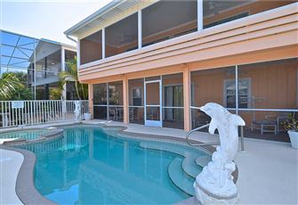 Primo Pool Home Lower, 2 Bedrooms, Pool, Sleeps 6