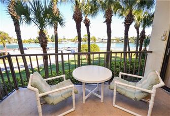 Lands End 1-206, 2 Bedroom, Canal View, Heated Pool, Spa, WiFi, Sleeps 6