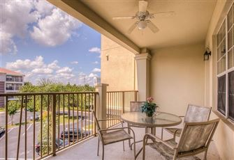 Beautiful 3-Bed/2-Bath Condo Located