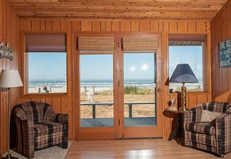 Beautiful Pet Friendly Oceanfront