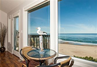 Oceanfront and a Gameroom.The