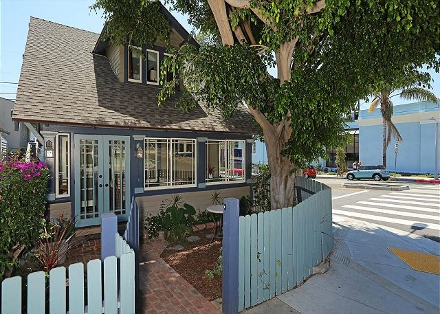 Family friendly vacation home in Santa Monica (#230520)