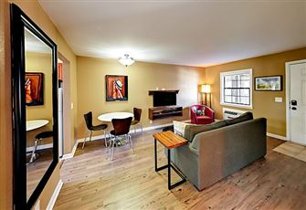 This 2br/1ba Apartment is