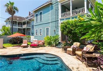 This classic Victorian-style 3-bed 2.5-bath vacation rental offers space to spre