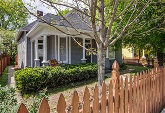 This 3br/3ba Newly-Renovated Victorian