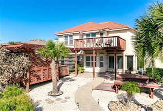 This Light-Filled 3br, 2.5ba Hart House on North Padre Island (Sleeps 8) is Perf