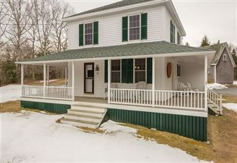 This 3br 2ba Boothbay