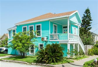 This 3br Galveston Home