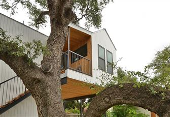1br South Congress Treehouse