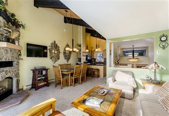An Ideal Getaway, this Stylish 2br, 2ba Condo (Sleeps 6) is across the Street fr
