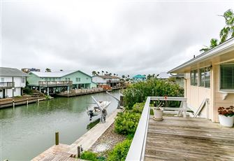 Classic 4br 3ba Canalfront