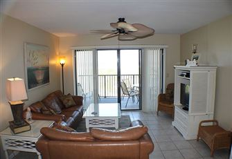 Upgraded Ocean/Beach Front Condo