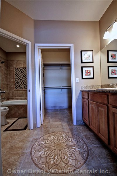 Ensuite & Walk-in Closet Master Bedroom