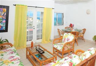 Seaside one Bedroom Townhouse: Large, Tropical Home