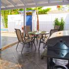 Outdoor Dining Area - Enjoy a Bbq with your Family Or Friends