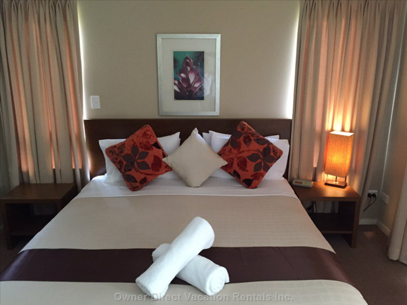 2nd Bedroom - Kingsize Bed Or Two Singles.  Tv and Ensuite with Spa Bath