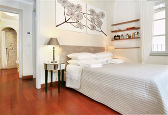 In the Heart of the Historic Centre of Lucca Charming and Romantic Home