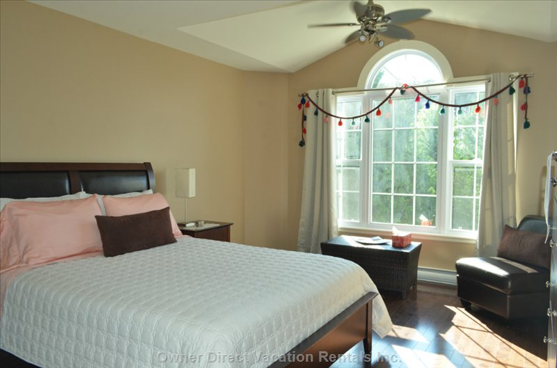 Master Bedroom + Extra Adjoining Room 4br/3ba, Family Rental Villa, Pet Friendly, Fits 7-9 Guests