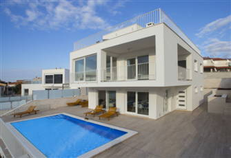 New Villa with Panomamic Sea View Only 40 Meters from the Crystaly Clear Sea