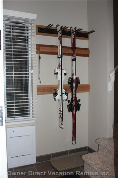 Ski Rack Holds either Skis Or Snow Boards (8 Skis/4 Boards/ Or a Combination of any)