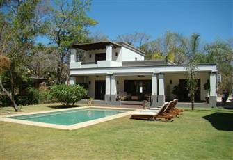 Modern Private Home in Playa Langosta Close to Tamarindo with Pool