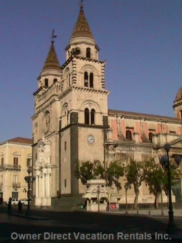 Acireale Cathedral Touristic Foto