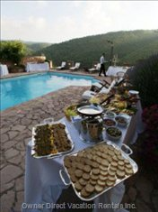 Catered Buffet around the Pool.