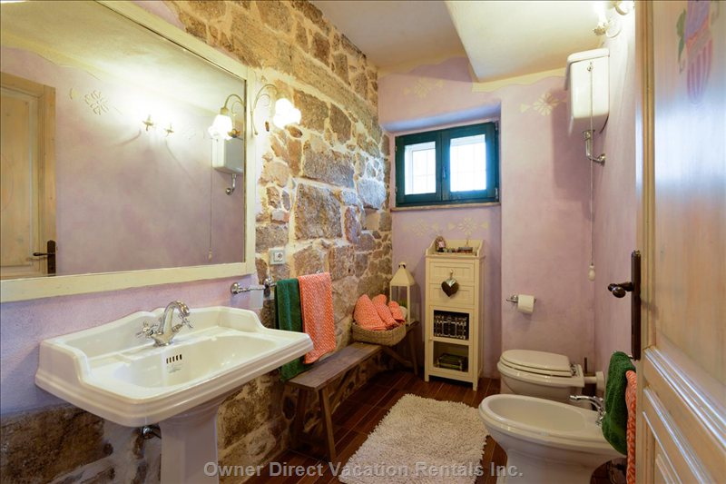 Lilac Bathroom with Bathtub