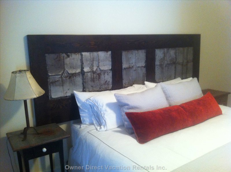Twin/King Room Shown Set up with King Bed. If you Would like a King Set up, Please Request at Time of Booking.