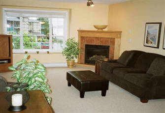 2 Bedroom Deluxe Condo on Skaha Lake near Penticton