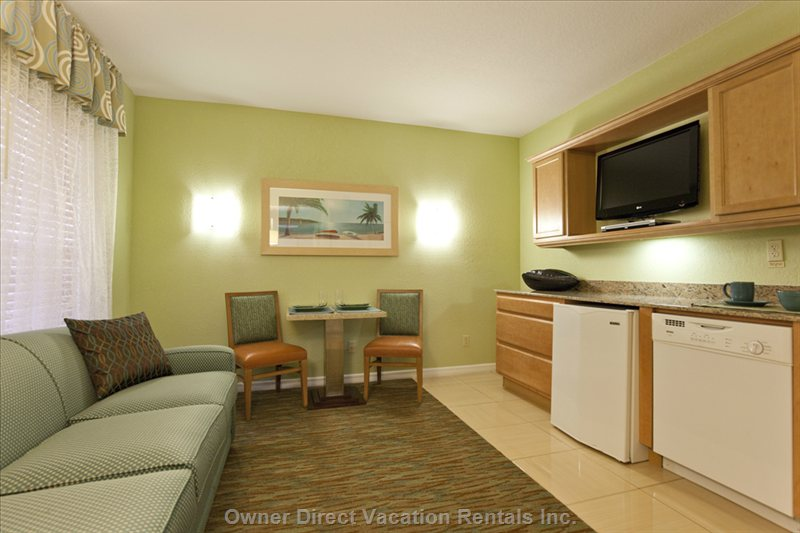 Large Combination Kitchenette, Living & Eating Areas with Queen Pull-out Sofa .