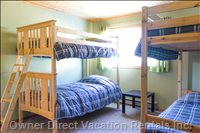 Bunk Bed Room #1 - 2 Twin/Twin Bunk Beds with Matching Linens - Comfy Beds Here !!
