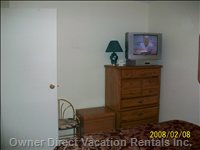 Bedroom TV with DVD,VCR,on Bell Satellite Signal